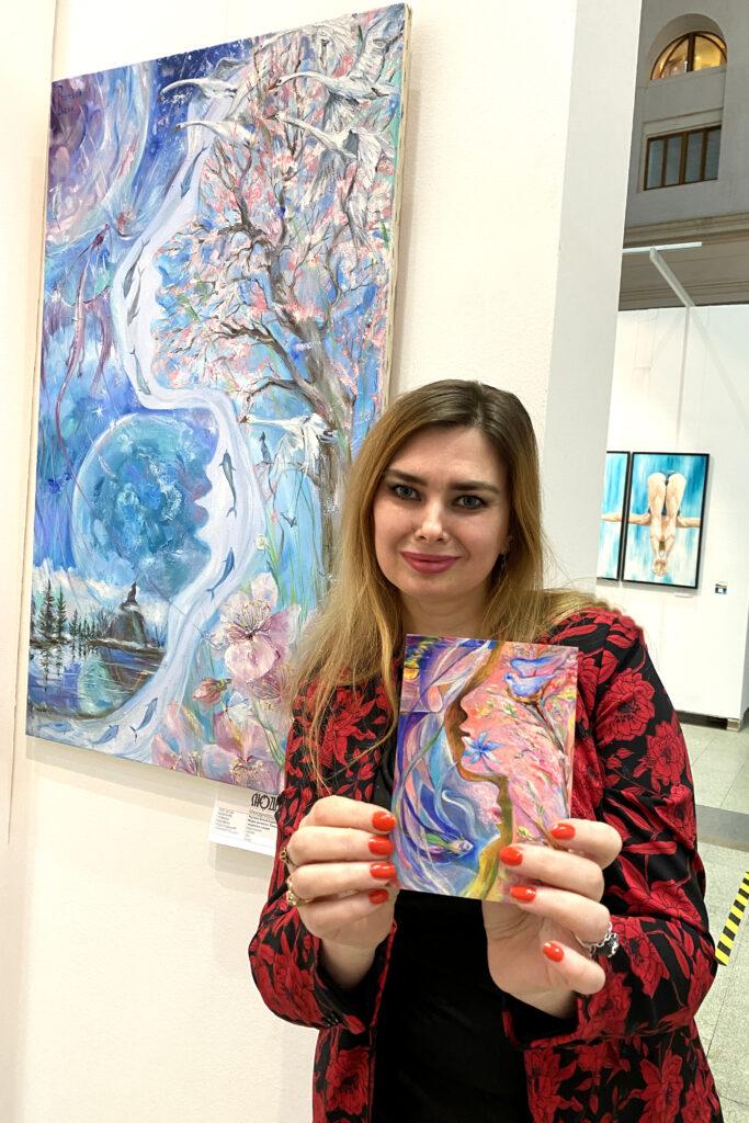 Елена Реутова на выставке.