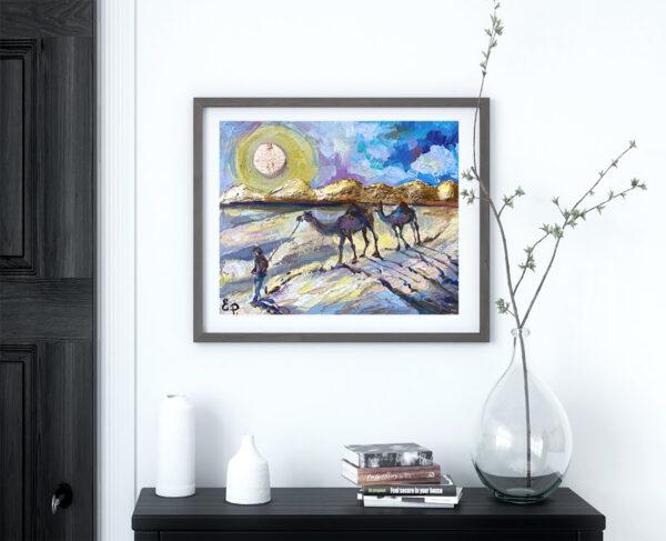 Картина с верблюдами в интерьере.